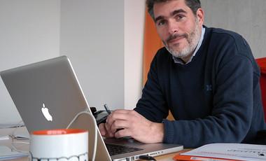 Roman Chapron dans ses locaux du site technopolitain de Technocité. ©Agglo/V.Biard